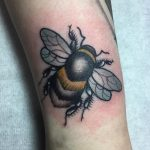 Bee, Nature, Neo-tradiitonal botanical english countryside tattoo