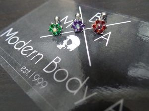 qualiti-jewellery-flowers-available-mba-piercing
